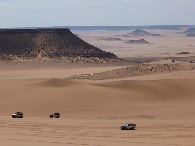Aqaba Pass en la Meseta de Gilf Kebir (Desierto Líbico, Egipto)