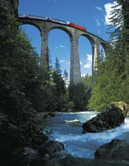 Proslulé panoramatické vlaky– Bernina Express a Ledovcovýexpres