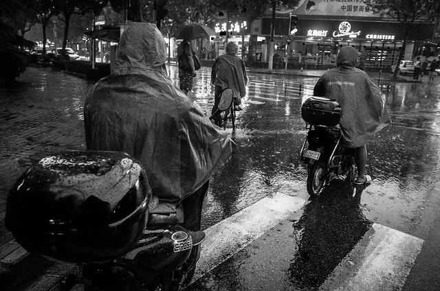煩悩 [機材沼] : RICOH GRの逆襲 (21) - 上海下雨了 -