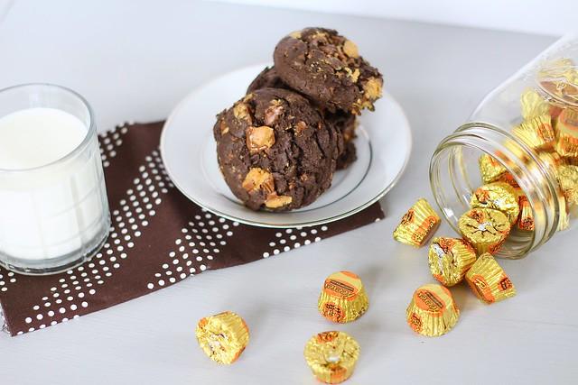 Chocolate PB cup cookies