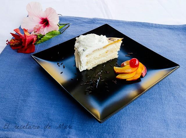 Tarta de crema de piña con bizcocho de frutos secos 3