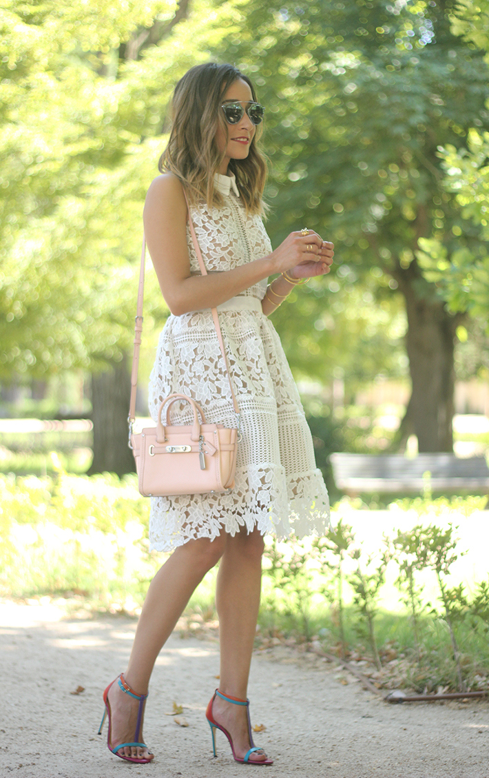white lace dress summer outfit carolina herrera heels coach bag dior sunnies01
