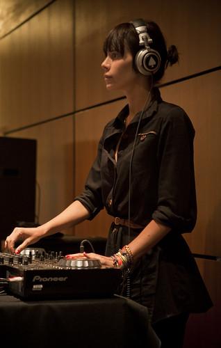 Multi_03_2012 > O Grivo - Máquina de Música