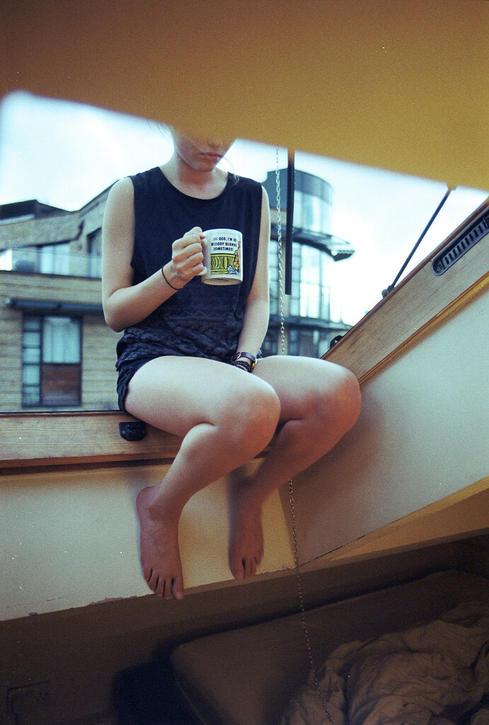 LE LOVE BLOG LOVE STORY LOVE PHOTO IMAGE GIRL WOMAN DRINKING TEA COFFEE THINKING WHY DO I SUCK SO BAD AT LOVE AFRAID TO GET HURT Untitled by Nicolas Colemonts, on Flickr