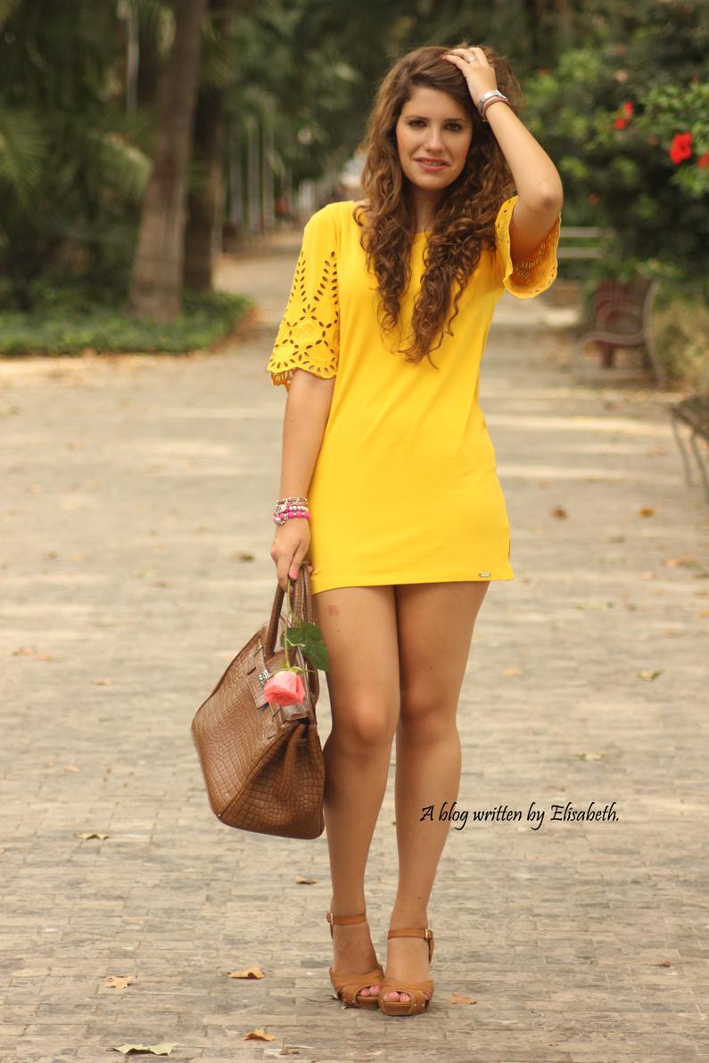 Vestido-amarillo-cuñas-XTI-heelsandroses-(2)