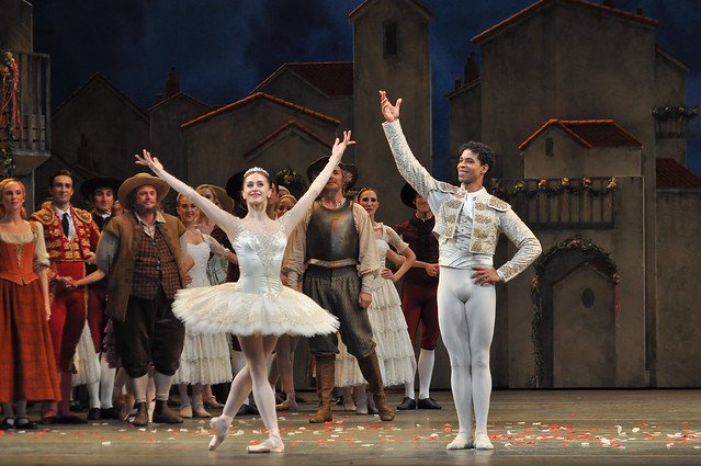 Carlos Acosta and Marianela Nuñez at the curtain call for the gala night of Don Quixote © ROH / The Ballet Bag 2013