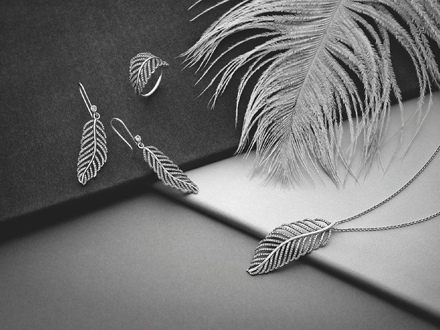pandora-feathers