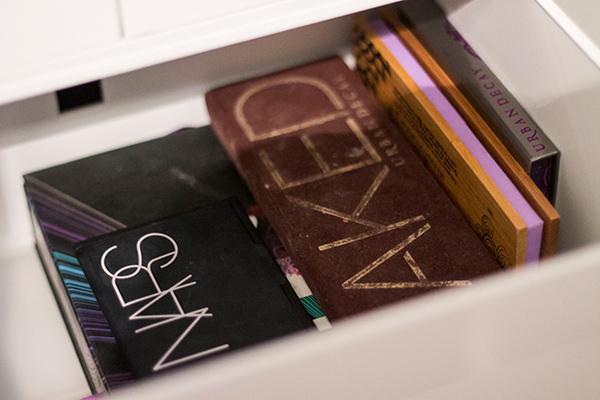 makeup storage palettes