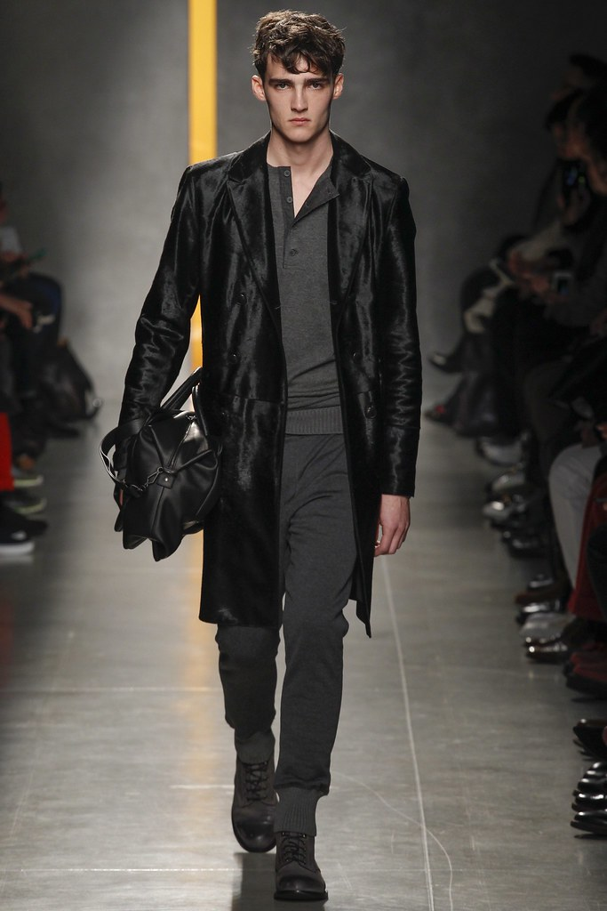 FW14 Milan Bottega Veneta001_Elliott Vulliod(VOGUE)