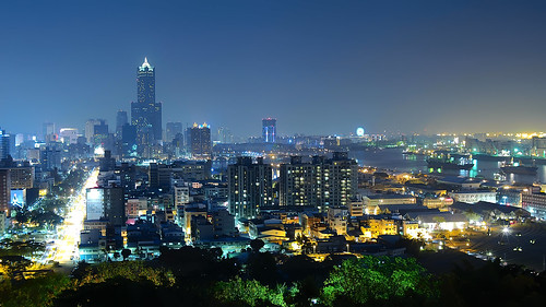 longexposure sea mountain skyline night landscape bay nightscape taiwan olympus kaohsiung bluehour 高雄 夜景 magichour em1 忠烈祠 85大樓 高雄港 shoushan 壽山 85skytower martyrs'shrine voigtlandernokton25mmf095