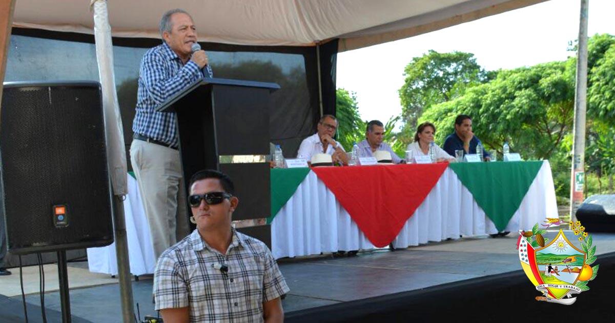 Vicepresidente de la República inauguró vía rural en Chone