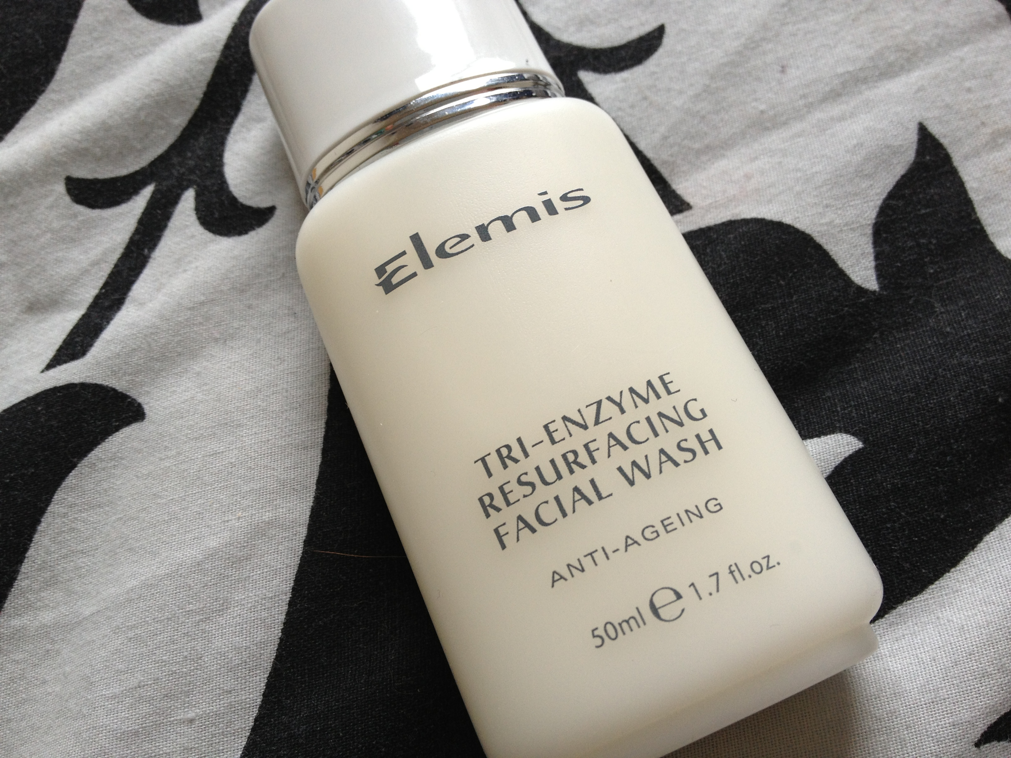 Elemis_Tri_Enzyme_Resurfacing_Facial_Cleanser