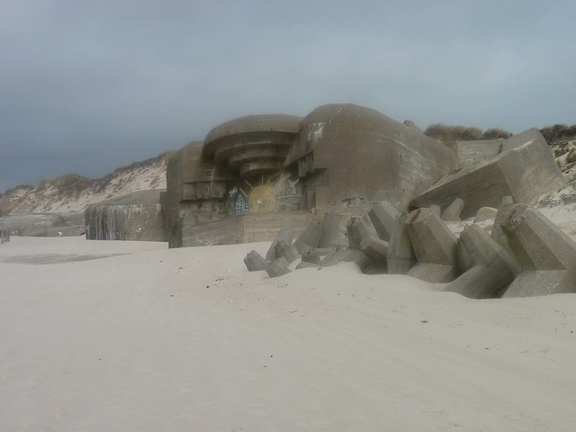 (Blurry) bunker on the beach