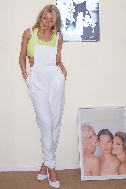 Sam Muses, Dungarees, Overalls, Boohoo, Pinafore, White, Crop Top, Peg Leg, Primark, Neon, Lime, White Shoes, Court, UK Fashion Blog, London Personal Style Blogger