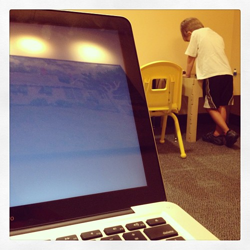 Powering up the Mac for a bit of me time while he's in speech therapy. #weekinthelife #preschooler