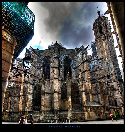 barcelona calle spain torre andamio catedral iglesia cataluña angulo piedra gotico abside arbotantes creativemindsphotography slicesoftime mygearandme flickrstruereflection1