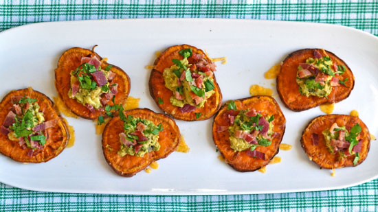 Sweet-Potato-Bites-with-Avocado-and-Bacon-3