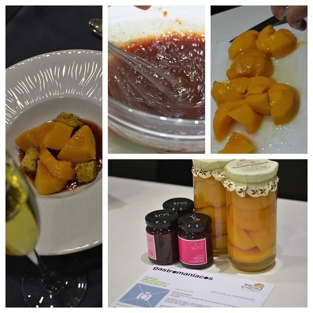 Queso, melocotón y frutos rojos