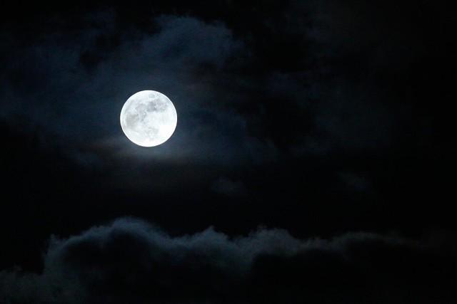 A beautiful moonrise