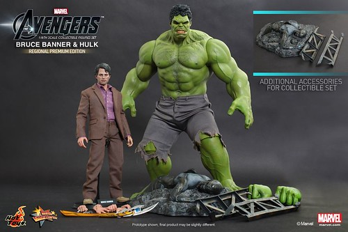 Hot-Toys-The-Avengers-Bruce-Banner-and-Hulk-Collectible-Figures-Set-Regional-Premium-Edition_PR3