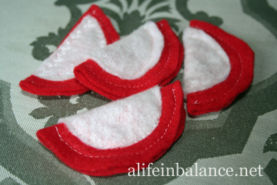 Felt Food for Kids: Apple Slices
