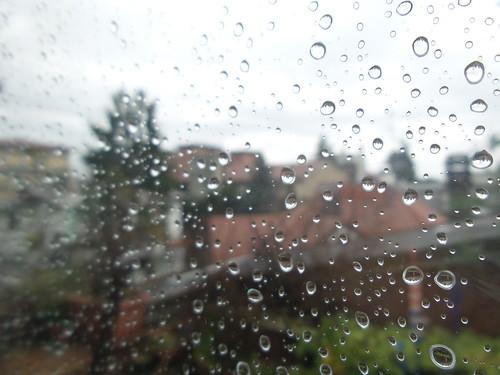 Dopo la pioggia ci sono le gocce by Ylbert Durishti