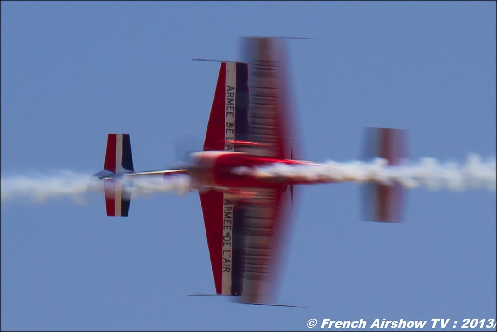 Patrouille EXTRA 330SC EVAA au Free Flight World Masters Valence 2013 par bleu ciel airshow 2013,