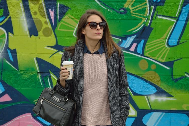 lara-vazquez-madlula-blog-soft-pink-sweater-outfit