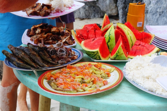 El Nido Palawan island hopping lunch