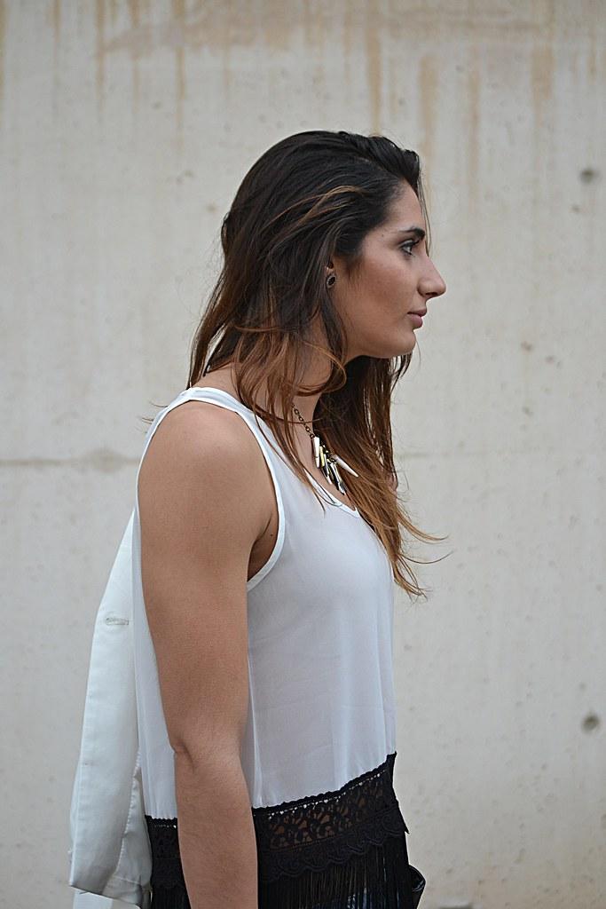 blusa blanca flecos