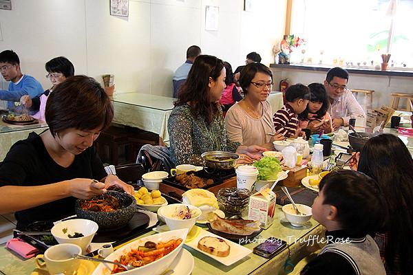 田園素食餐廳。George House。裕成水果。石頭鄉烤玉米 台灣食事20140105