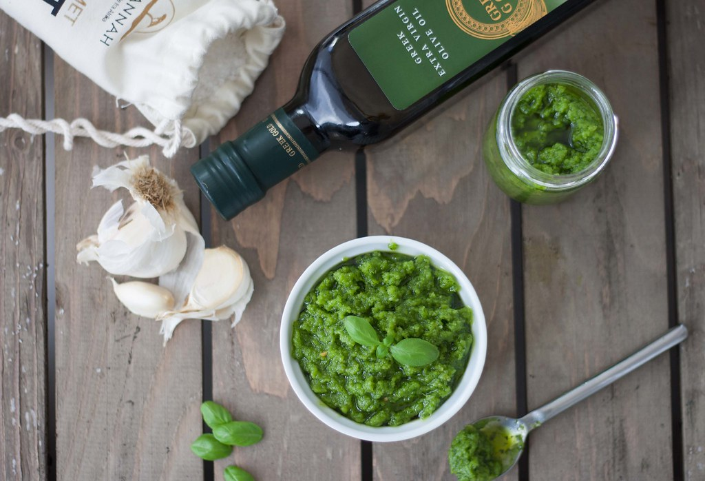 Basil Pesto with Cashew Nuts (6)