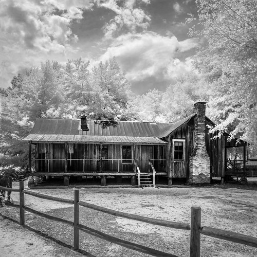 silversprings sky blackandwhite bw panorama usa cloud tree architecture fence landscape ir cabin fireplace florida cloudy infrared edrosack