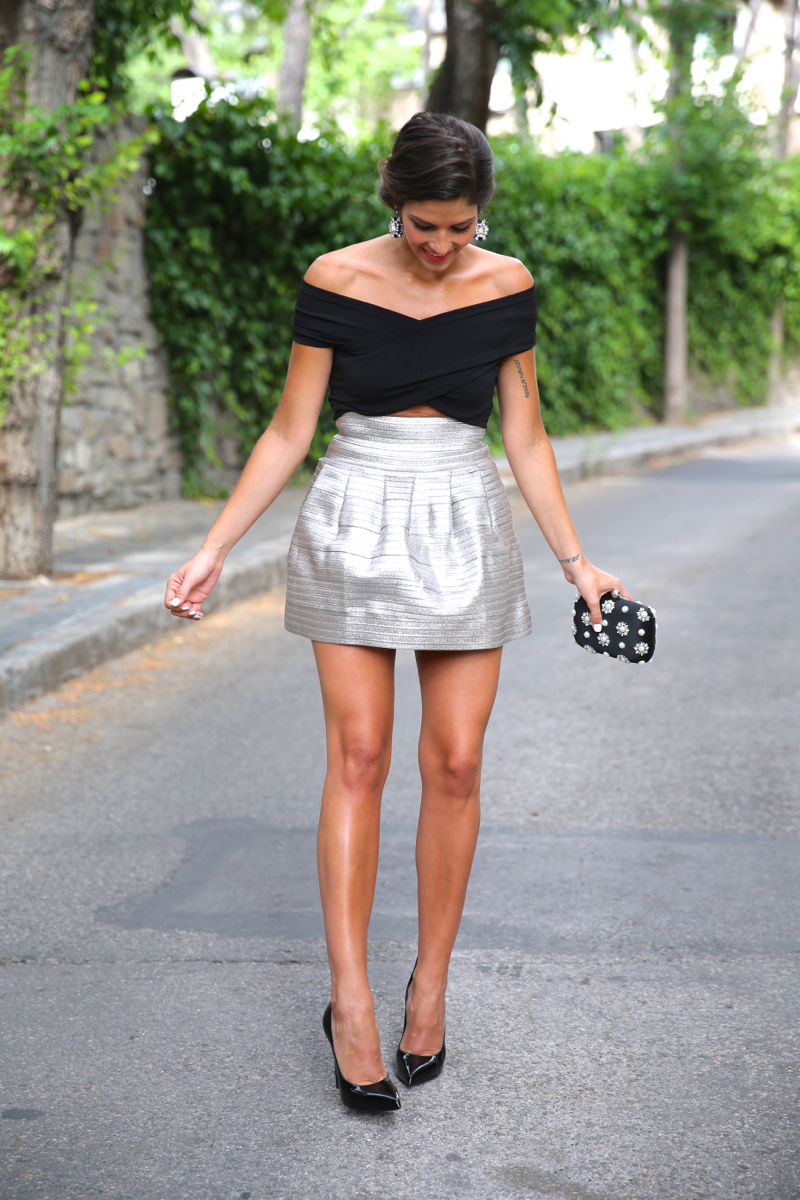 trendy_taste-look-outfit-street_style-blog-blogger-fashion_spain-moda_españa-saint_laurent-charol-crop_top-falda_plateada-silver_skirt-swarovski-wedding-boda-ocasiones_especiales-11