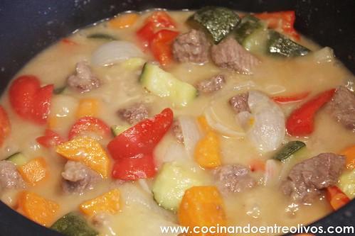 Ternera en salsa www.cocinandoentreolivos (13)
