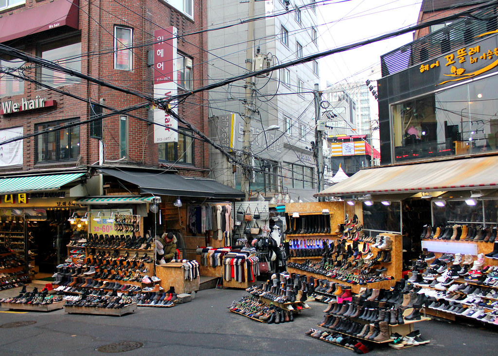 ewha-shopping-street-shoes