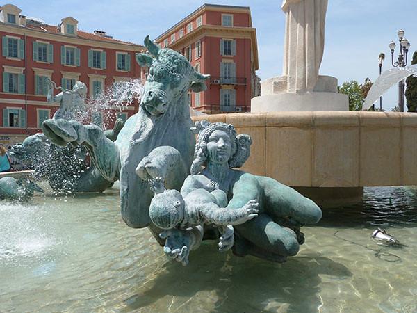 fontaine massena 4