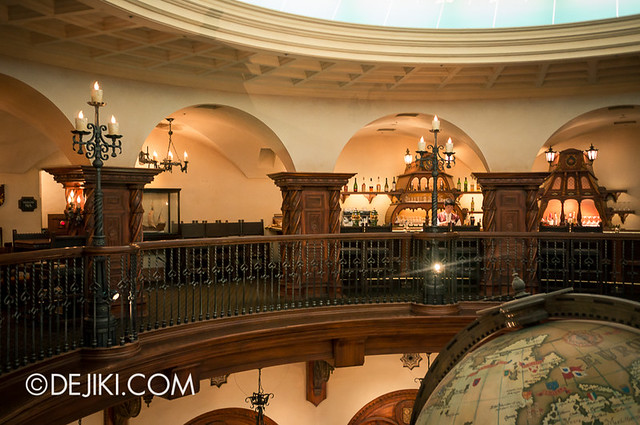 Tokyo DisneySea - Mediterranean Harbor / Magellan's Lounge