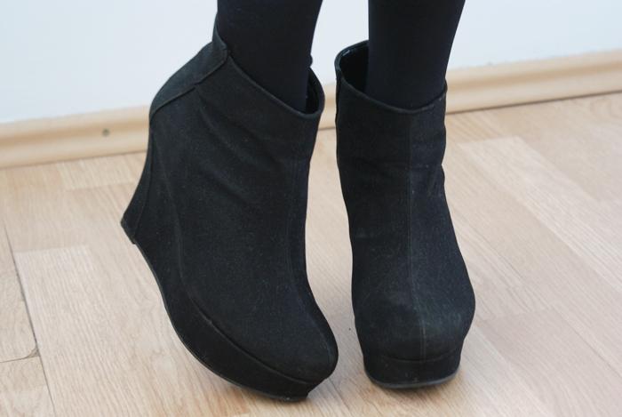 czarne botki jak ubrać