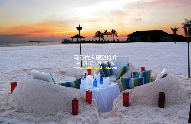 有趣的私人沙滩晚餐