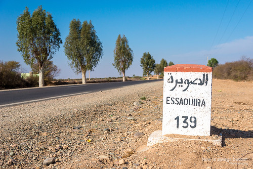 route maroc essaouira panneau désert voies marrakechtensiftalhaouz objetselémentsettextures architectureetbatiments