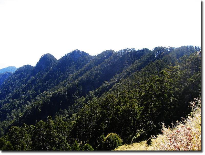 鋸山鋸齒連峰(From畢祿山)