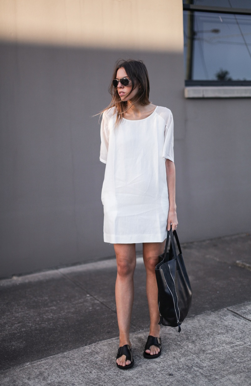 modern legacy fashion style blogger australia LIUK linen shift dress slide sandals celine summer street style (1 of 3)