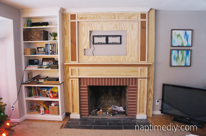 Fireplace Mantel Build 5 (via NaptimeDIY.com)
