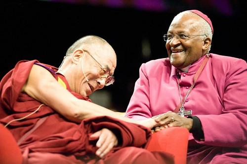 Dalai-Lama-and-Desmond-Tutu-IMG_57821