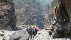 Mosty wiszace na szlaku do Namcze Bazar
