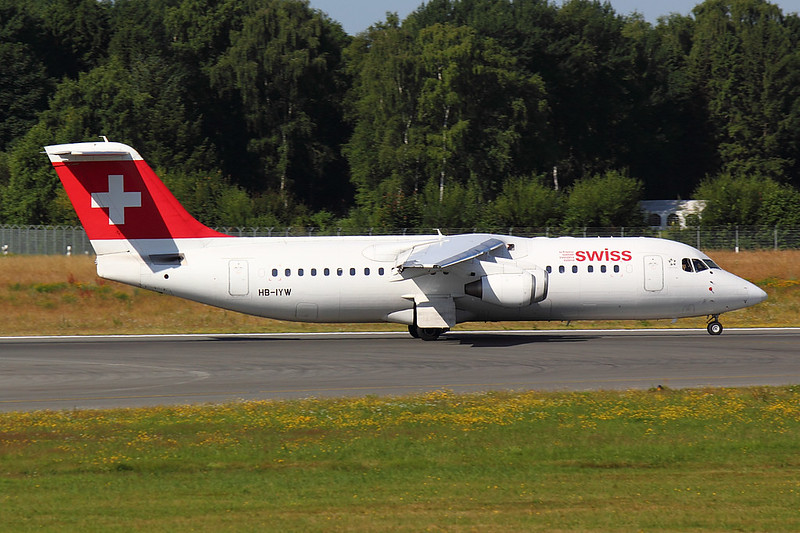Swiss - RJ1H - HB-IYW