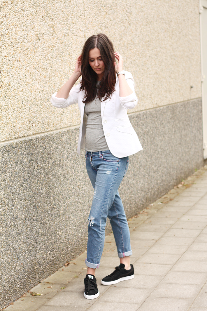 Blazer Boyfriend Jeans Puma Sneakers - THE STYLING DUTCHMAN.