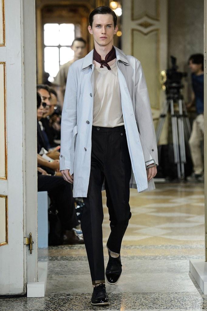 Yulian Antukh(Antuh)3156_SS16 Milan Corneliani(fashionising.com)