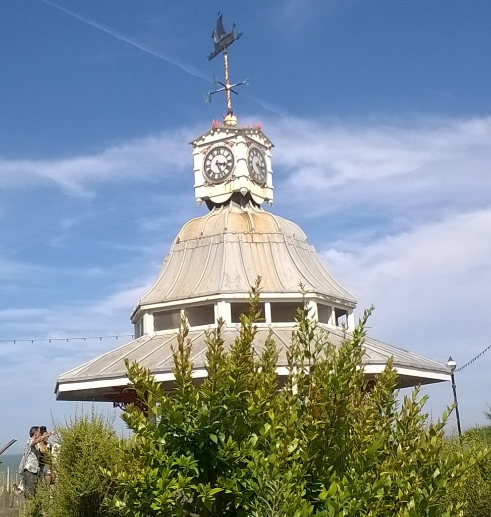 Stands the clock at 3:25 Broadstairs esplanade